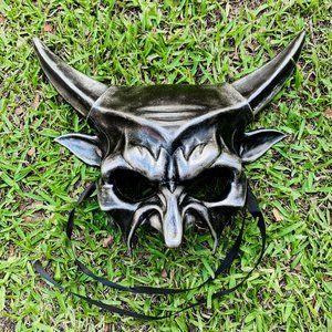 Dark Silver Devil Demon Halloween Party Mask